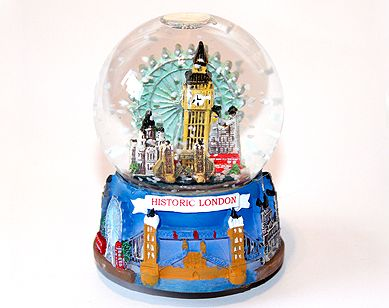 London landmarks snowglobe