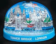 London images plastic snowglobe